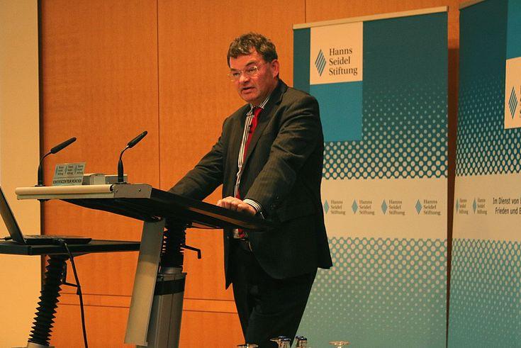 Ingo Dietrich, Bundesministerium für wirtschaftliche Zusammenarbeit und Entwicklung