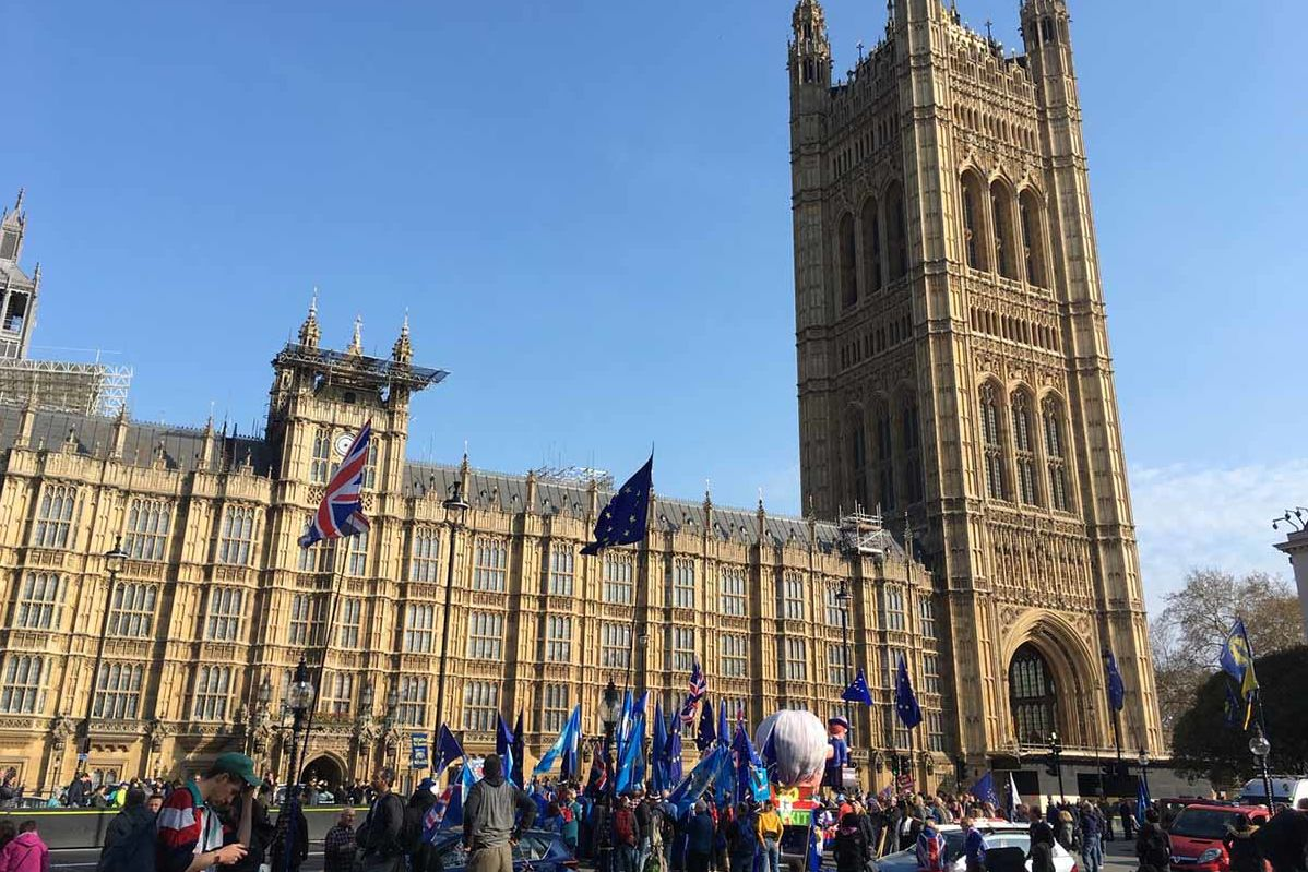 Demonstranten vor dem Westminster Abby