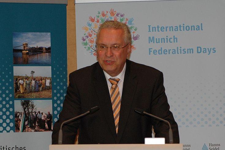 Joachim Herrmann spricht über den deutschen Sicherheitsföderalismus.