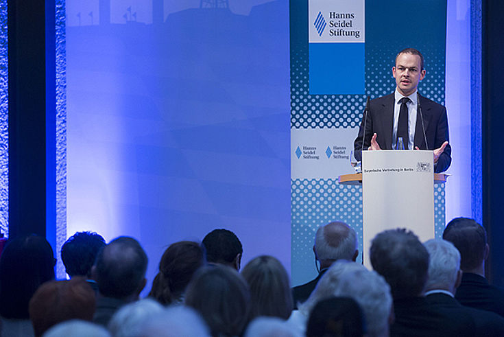 """Keynote """"A Line in the Sand"""" von James Barr, King's College London"""