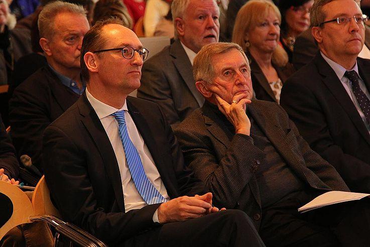Die CSU-Politiker Bernhard Seidenath, MdL, und Alois Glück, Landtagspräsident, a.D. (rechts)