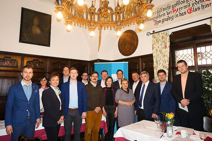 Junge Entscheidungsträger aus der Slowakischen, der Tschechischen Republik und aus Ungarn diskutieren über Jugendorganisationen in Europa