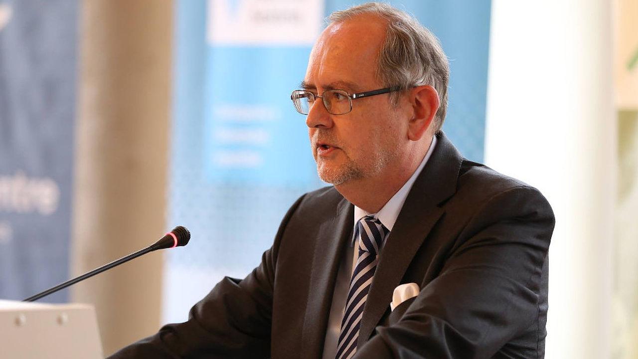 Der Botschafter der Bundesrepublik Deutschland in der Slowakischen Republik, Dr. Thomas Götz, am Redepult während der Eröffnung des Projektbüros