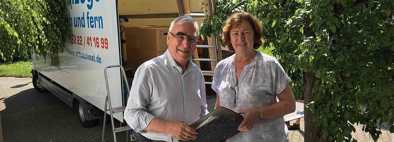 Dr. Theo Waigel, der frühere CSU-Vorsitzende und langjährige Bundesfinanzminister mit Dr. Renate Höpfinger, Leiterin des Archivs für Christlich-Soziale Politik der Hanns-Seidel-Stiftung