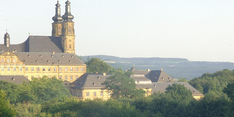 Die Wiese vor Kloster Banz