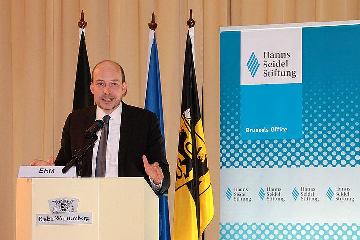 Die bulgarische Ratspräsidentschaft fällt in eine Zeit richtungsweisender Entscheidungen für die EU. Markus Ehm (HSS) hatte nach Brüssel eingeladen, um in den Dialog einzutreten und die Kernthemen zu diskutieren.