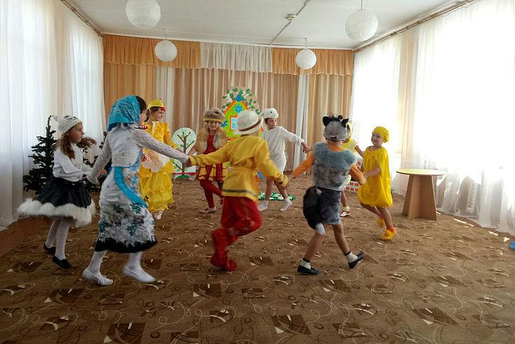 """Im Kindergarten """"Solnischko"""": Hier wird deutsch-russisches Brauchtum von klein an gepflegt."""