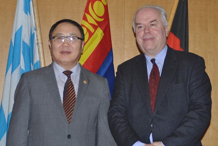 Minister Dorligjav und Professor Barkmann