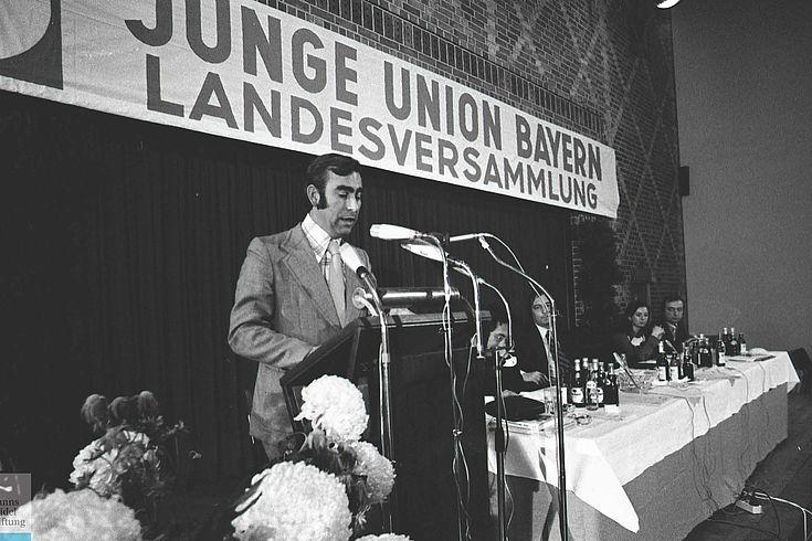 Waigel bei der Landesversammlung der Jungen Union 1973
