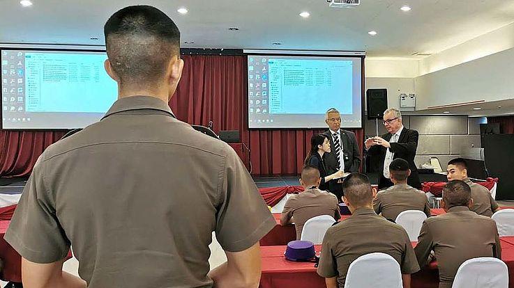 Bei der Royal Thai Police Academie