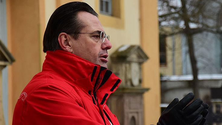 Referent Horst Pfadenhauer beim Stadtrundgang in Weimar