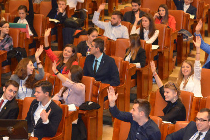 Abstimmung im Jugendparlament