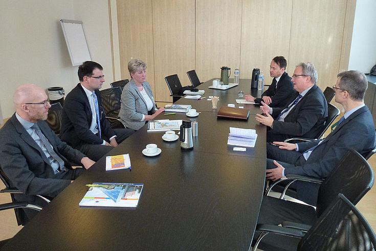 """Beim Ausschuss der Regionen in Brüssel: """"In erster Linie Familienbetriebe sollten unterstützt werden""""."""