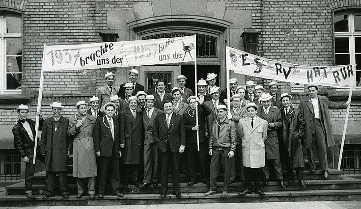 Entlassung der ersten Wehrpflichtigen in der Ermekeilkaserne in Bonn am 29.3.1958