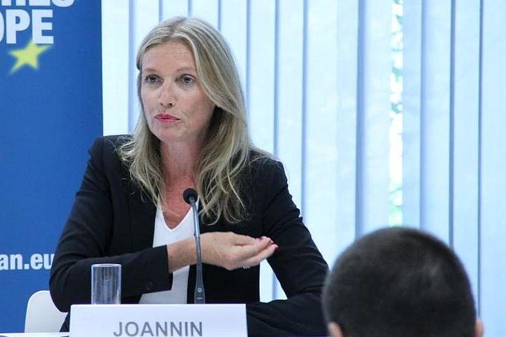 """Pascale Joannin: """"Frankreich ist politisch gespalten, die Parteienlandschaft zersplittert."""""""