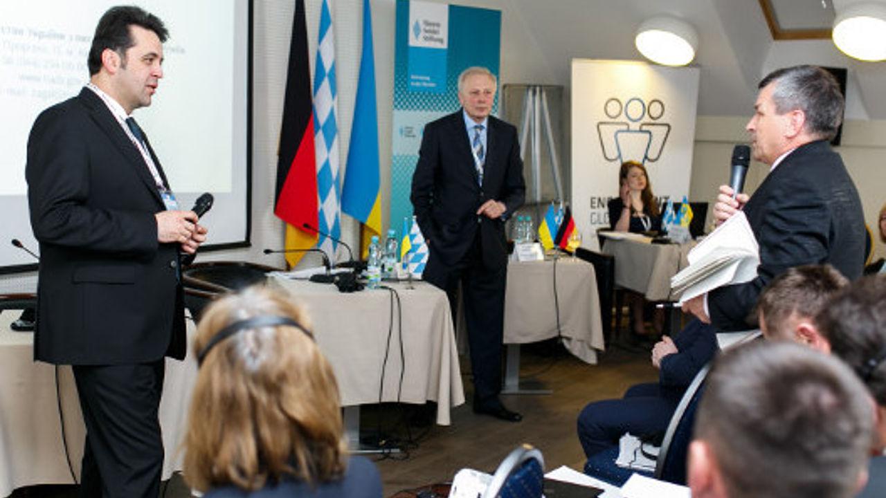 Kostjantin Waschtschenko beantwortet Fragen aus dem Publikum