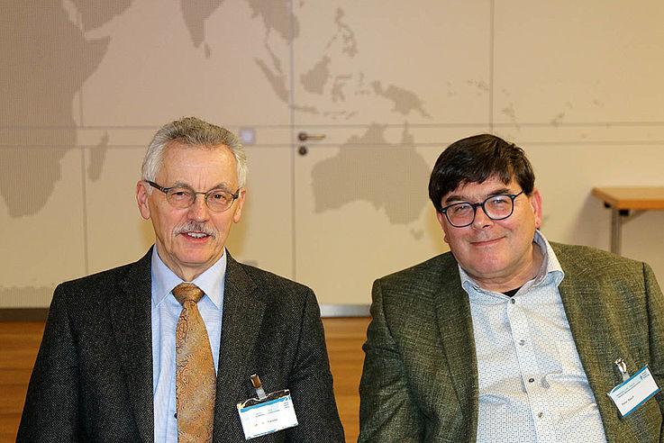 Regionalbeauftragter Rudolf Mahlmeister (links) und HSS-Referent Peter Bauch, ehemaliger Wissenschaftlicher Mitarbeiter des Bundestages.