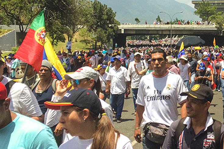 Seit mehr als 60 Tagen gehen die Menschen auf die Straßen und protestieren gegen die Regierung