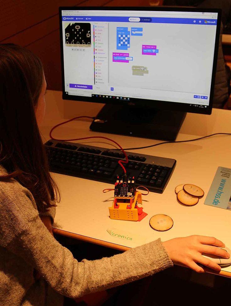 Wie programmiere ich meinen eigenen Roboter?