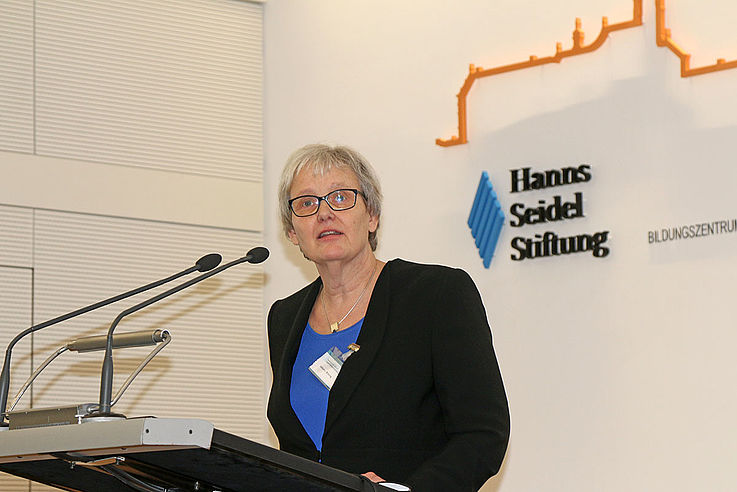 Aktiv in Europa, stark in den Kommunen – Stefanie von Winning wirbt für politische Bildung vor Ort.