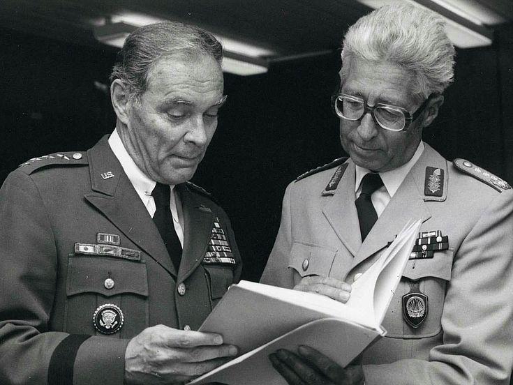 Generals Schmückle mit NATO-Oberbefehlshaber Haig 1979