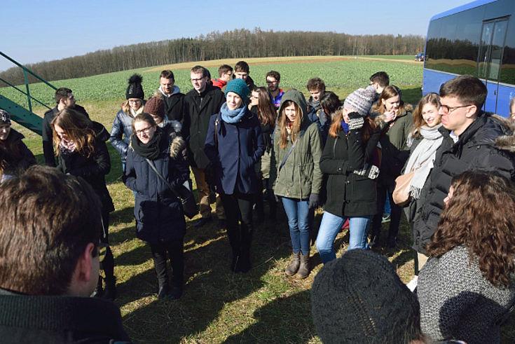 Stipendiaten besuchen die Bioenergiegemeinden im Frankenwald