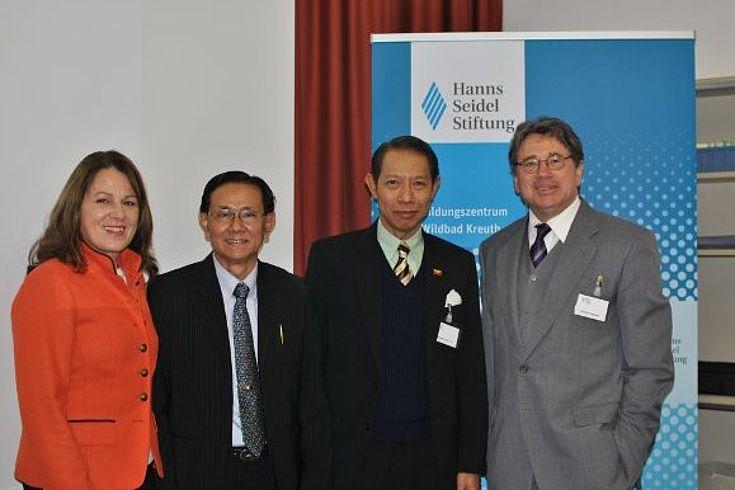 Gabriele Stauner, U Win Thein, Nanda Kyaw Swa und Christian Hegemer