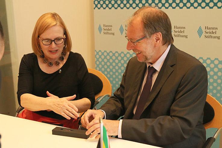 Begrüßung von Helen Zille und Peter Witterauf