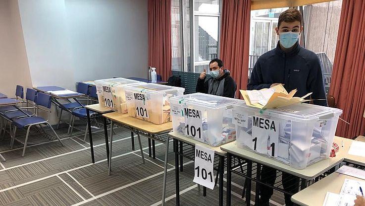 Am 15. Und 16. Mai fanden in Chile mehrere Wahlen statt. Die Chilenen gaben ihre Stimme ab für die Verfassungsgebende Versammlung sowie für die Kommunal- und Regionalwahlen.