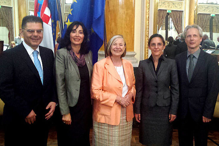 Mladen Andrlic, Tania Mihailova (Direktorin der bulgarischen Diplomatenakademie), Ursula Männle, Aleksandra Markić Boban (HSS Kroatien) und Klaus Fiesinger (HSS München)