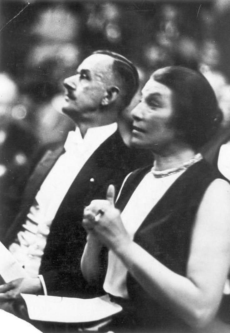 Ida Roland und Thomas Mann in der Berliner Singakademie im Jahr 1930