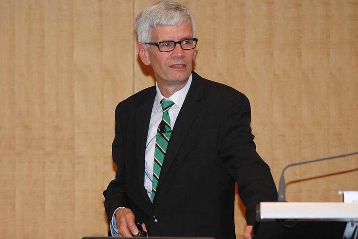 Gerrit Poel betonte, wir wichtig Elektrobusse für den städtischen Verkehr sind.