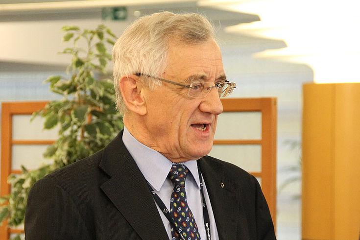 CSU-Politiker Albert Deß, MdEP: Sein Wahlkreis, die Oberpfalz, hat etwa 150 Kilometer gemeinsamer Grenze mit Tschechien.