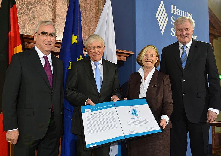 Verleihung des Franz Josef Strauß-Preises 2015 an Reiner Kunze am 9. Mai 2015 im Kaisersaal der Münchner Residenz