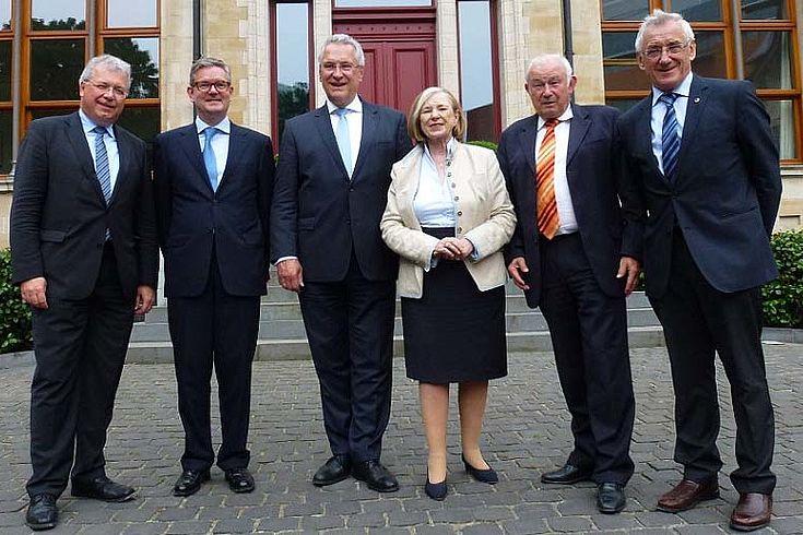 Ursula Männle plädierte im Gespräch mit Markus Ferber, Julian King, Joachim Herrmann und Günther Beckstein für eine verstärkte Zusammenarbeit der Sicherheitsbehörden.