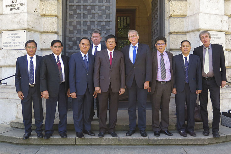 Im Bayerischen Staatsministerium für Wirtschaft und Medien, Energie und Technologie tauschte sich die Delegation aus über die Förderung von kleineren und mittleren Betrieben