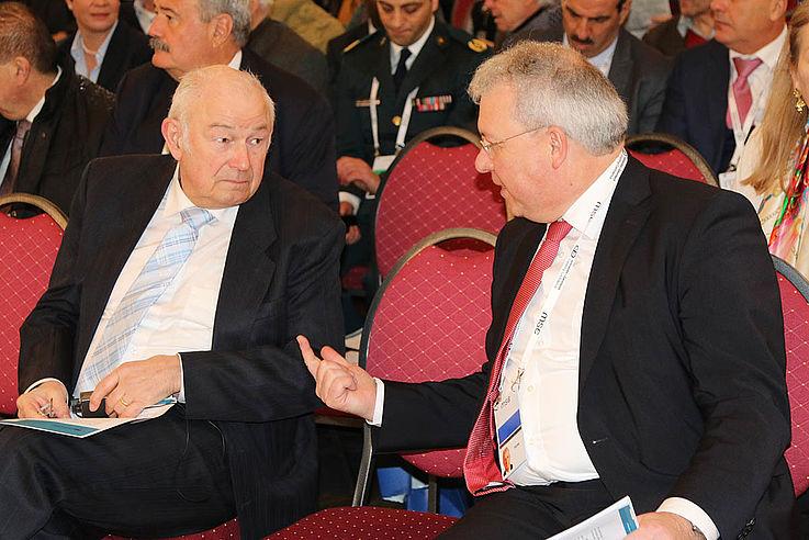Der ehemalige bayerische Ministerpräsident Günther Beckstein und Markus Ferber, MdEP
