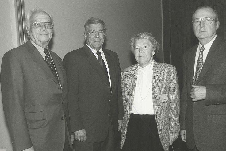 Der 1999 gewählte Landesvorstand der Senioren-Union von links nach rechts: Leo Wagner, Gebhard Glück, Ria Lungershausen-Hermes, Otto Glaser (Foto: Winfried Rabanus)