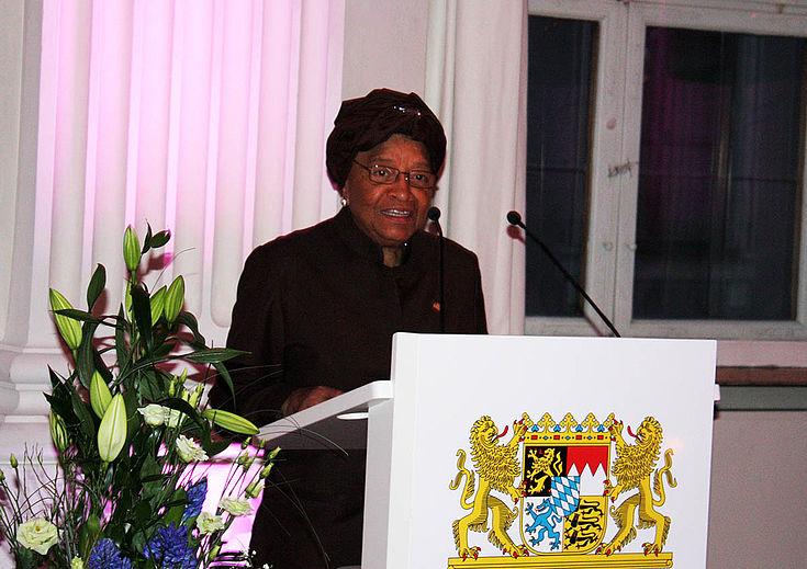 Ellen Johnson Sirleaf: Afrika muss den eigenen politischen Willen formulieren und sich erreichter Fortschritte und Stärken bewusst werden. Sie zählt auf die Unterstützung demokratisch legitimierter Staaten vor allem auch aus Europa.