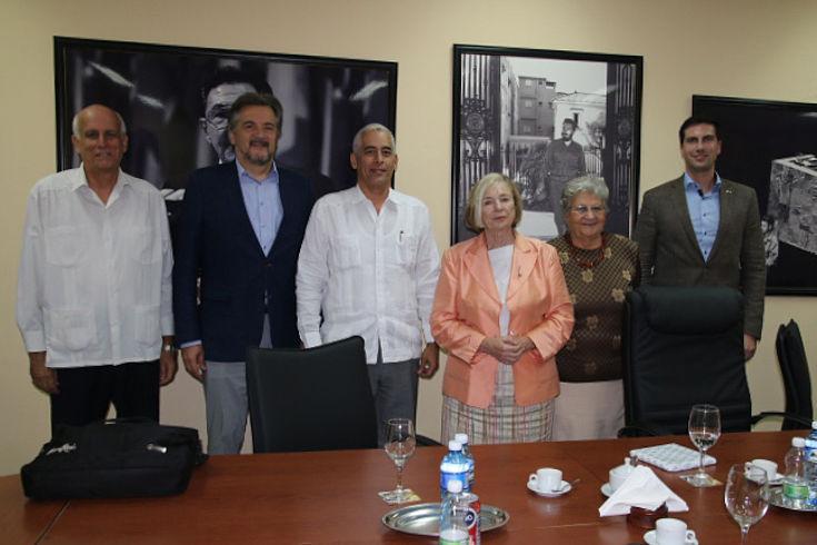 Im kubanischen Außenministerium erörterte die Vorsitzende mit Herrn Gerardo Peñalver Portal, Generaldirektor für bilaterale Angelegenheiten und ehemaliger Botschafter der Republik Kuba in Berlin, die Entwicklung der deutsch-kubanischen Beziehungen sowie die aktuellen Rückschritte in den diplomatischen Beziehungen Kubas zu den USA.