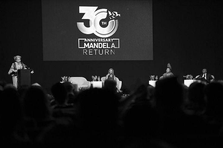 30 Jahre nach Mandelas Freilassung ist Südafrika das Land mit der weltweit größten Ungleichheit.