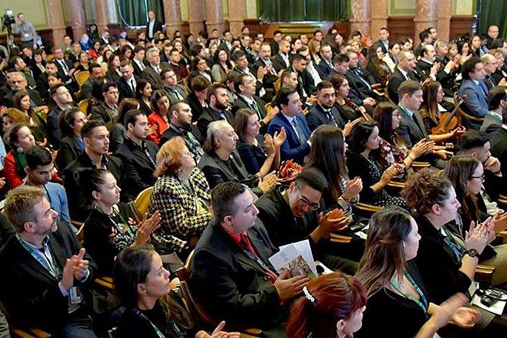Inklusion kann sehr erfolgreich sein. Das Interesse am Treffen der Netzwerke der Chrisstlichen Roma-Fachkollegien ist überaus groß.