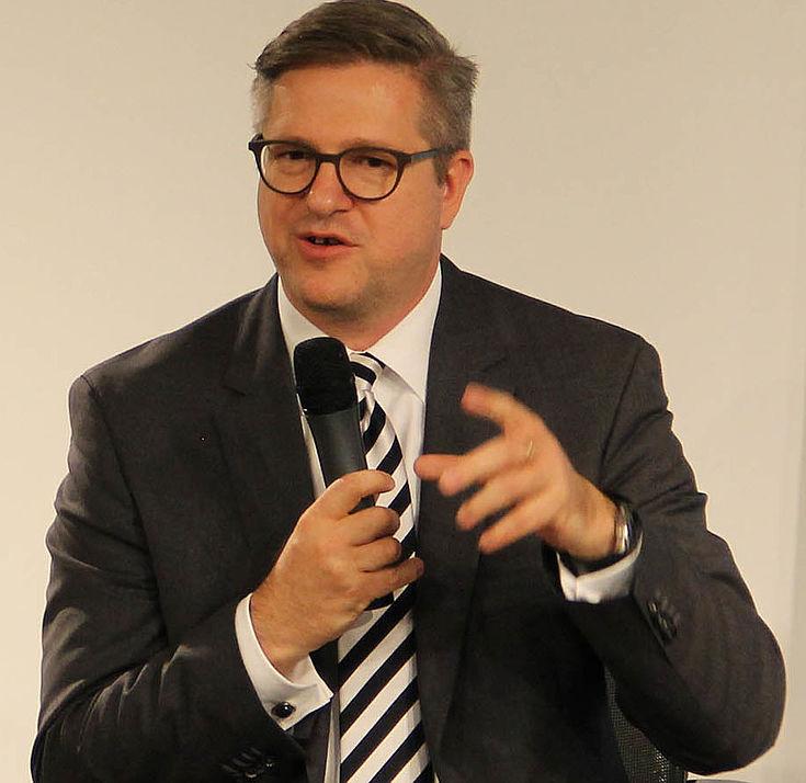 Frank Brettschneider diskutiert auf dem Panel