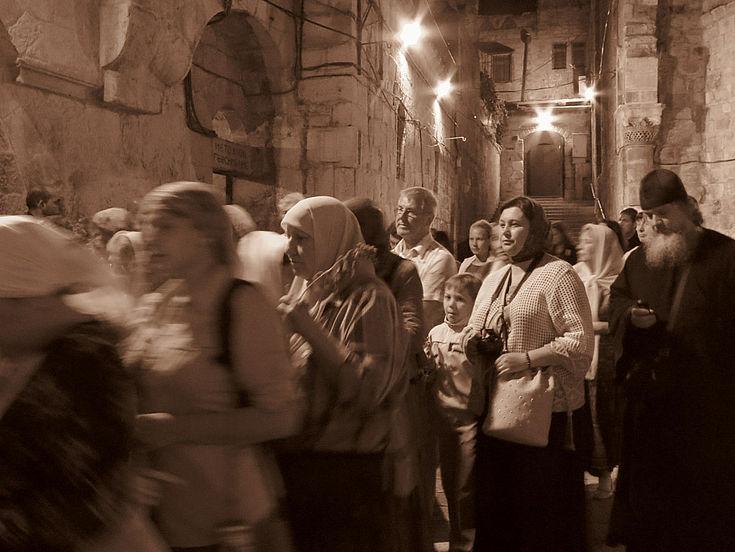 Nicht nur in den Bürgerkriegsländern Syrien und Irak sind Christen zunehmend Verfolgung und Diskriminierung ausgesetzt. Besonders in Indonesien erhöht sich derzeit der Druck auf christliche Gemeinden.