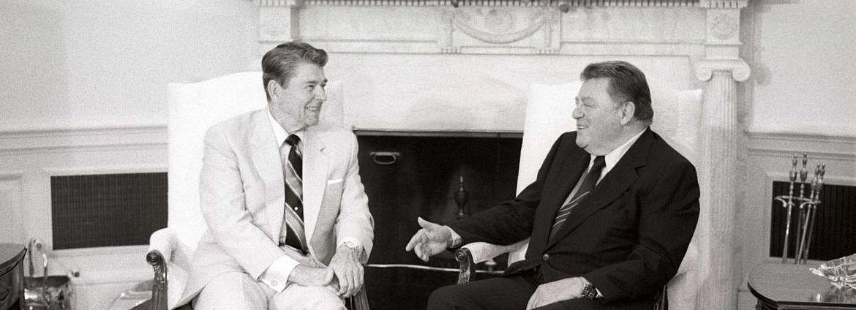 Franz Josef Strauß als Wegbereiter der Hanns-Seidel-Stiftung im Gespräch mit Ronald Reagan im Weißen Haus