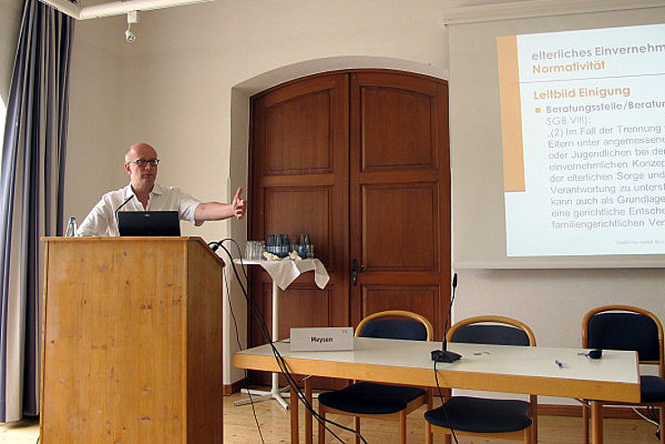 Thomas Meysen bei seinem Vortrag