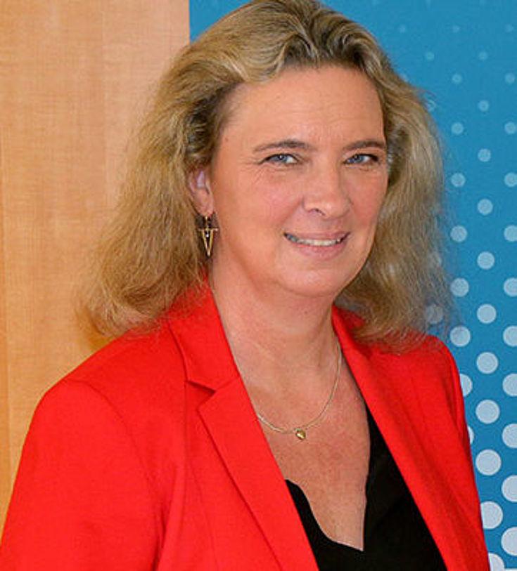 Kerstin Schreyer, MdL, ist seit März 2018 Bayerische Staatsministerin für Familie, Arbeit und Soziales. Zudem übt sie das Amt der stellvertretenden Vorsitzenden der Hanns-Seidel-Stiftung aus. 2017/2018 war sie Integrationsbeauftragte der Bayerischen Staatsregierung.
