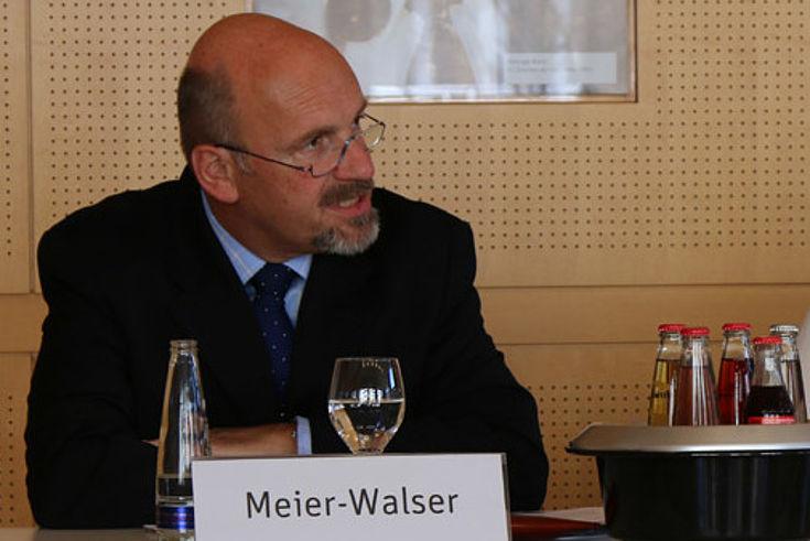 """Meier-Walser: """"[...] helfen, die historische Dimension des Brexit zu verstehen."""""""