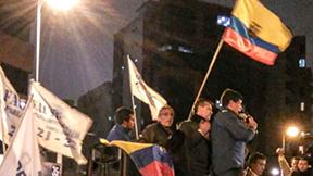 Demonstration und Mahnwache vor einem Büro der staatlichen Wahlbehörde CNE (Consejo Nacional Electoral)