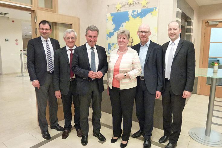 Die bayerische Delegation mit Haushaltskommissar Günther Oettinger. Mehr Geld für Sicherheitsrelevantes und aktuelle Herausforderungen